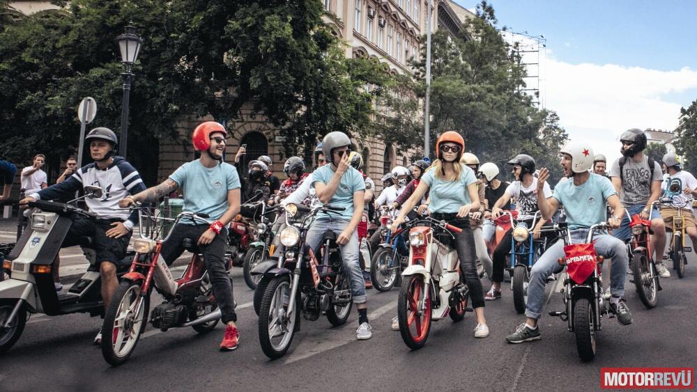 galéria Mopedmetál - egy rendhagyó motoros közösség