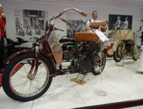 1908_auto-fauteuil_1.jpg