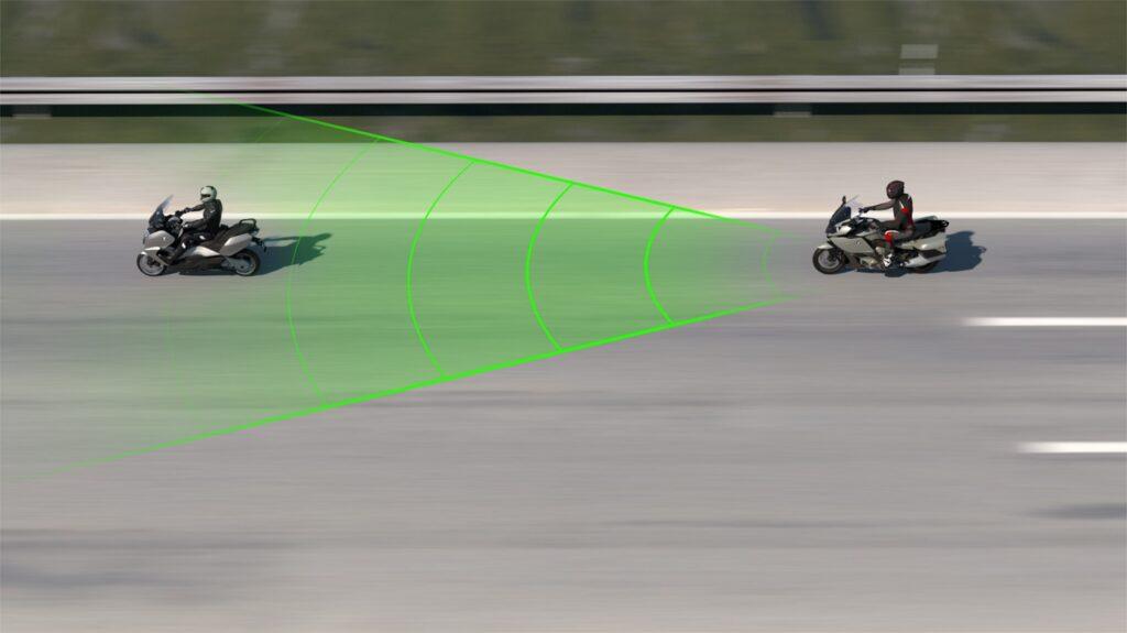 Aktív sebességtartó automatika a BMW-től